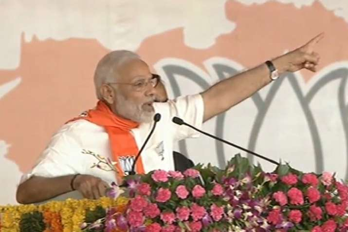 PM Modi takes on Congress in Gandhinagar