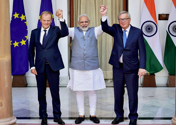 Modi with Donald Tusk and Jean-Claude Juncker at Hyderabad