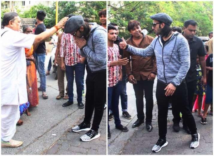 Ranveer Singh seeks blessing for Padmavati