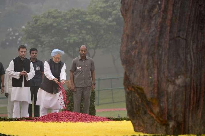 Rahul, Manmohan pay tributes to Indira Gandhi on her death