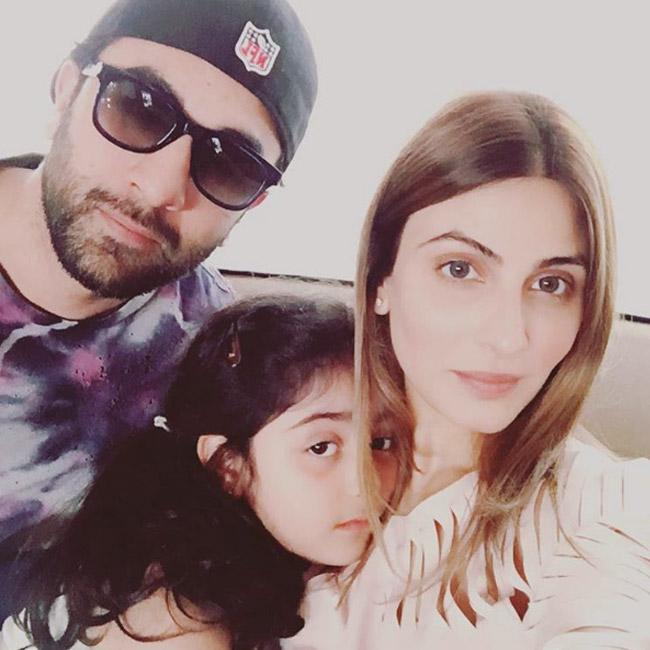 India Tv - Ranbir Kapoor with sister Riddhima Kapoor and her daughter Samara