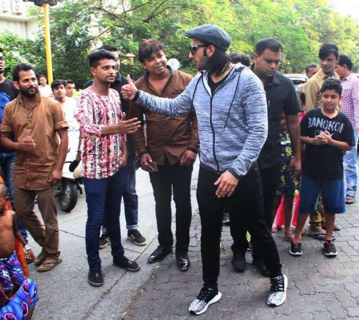 India Tv - ranveer singh fans