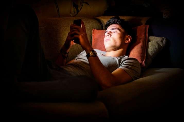 Binge watching is hampering our sleep