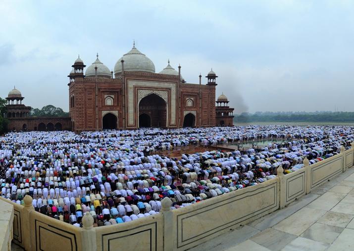'If Muslims can offer namaz at Taj Mahal, Hindus should