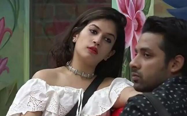 Is Bigg Boss 11 contestant Bandgi Kalra married?