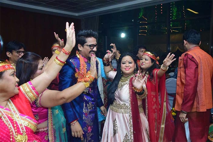 Bharti Singh and Harsh Limbachiyaa offer prayers at 'Mata