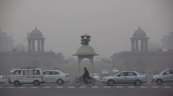 India Tv - Delhi has been engulfed in a thick blanket of smog for the past four days.