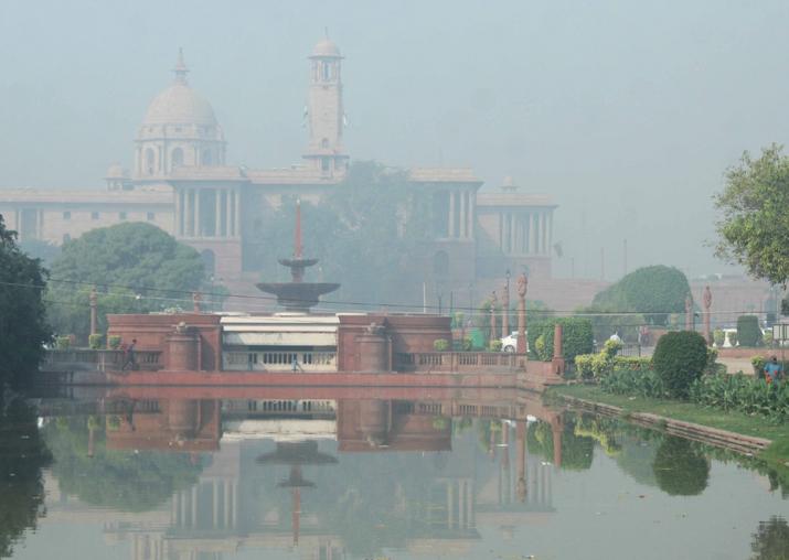 Delhi air quality improves slightly, but still 'very poor'