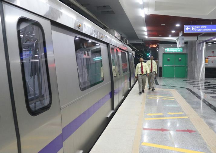 Steep fare hike will 'kill' Delhi Metro: CM Arvind Kejriwal