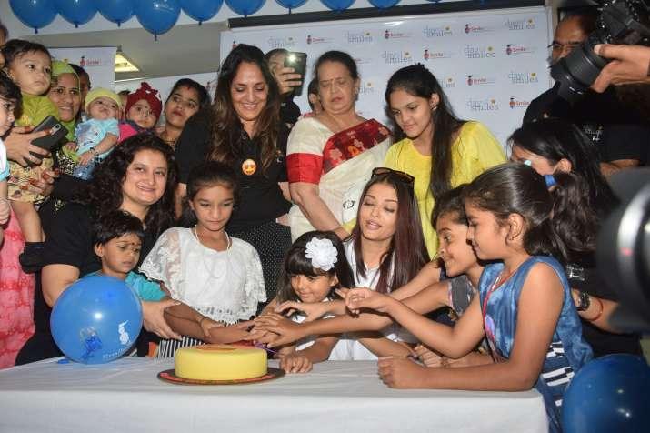 India Tv - Aishwarya Rai Bachchan at charity
