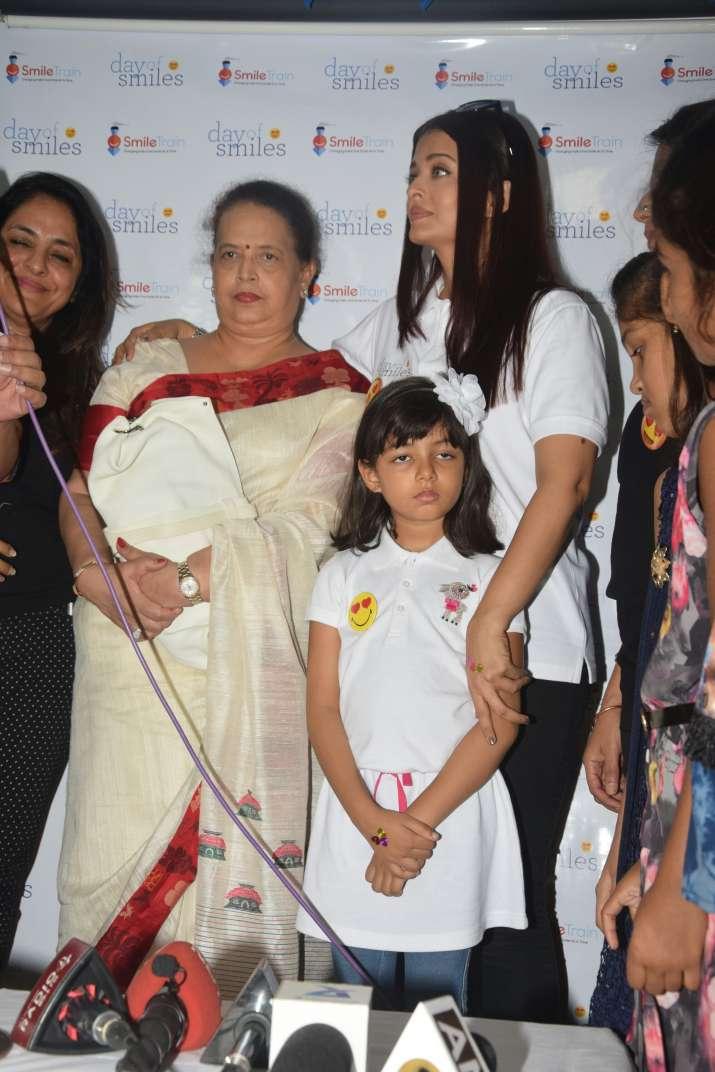 India Tv - Aishwarya Rai Bachchan celebrates father Krishnaraj Rai's birth anniversary with Aaradhya