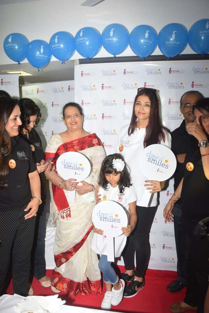India Tv - Aishwarya Rai with mother