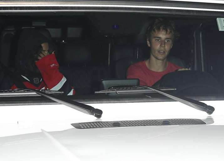 India Tv - Selena Gomez and Justin Bieber spotted together