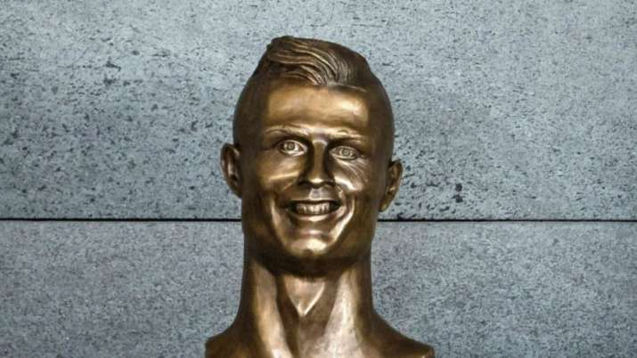 India Tv - Emmanuel Santos's statue of Ronaldo.