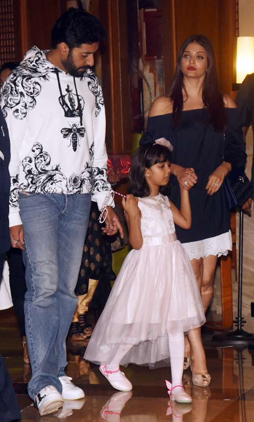 India Tv - Aishwarya, Abhishek, Aaradhya birthday party