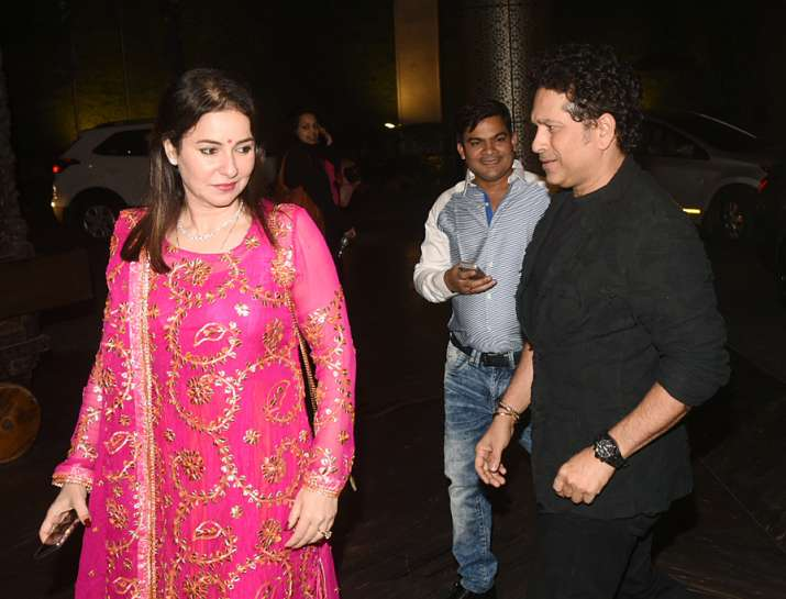 India Tv - Sachin Tendulkar with wife