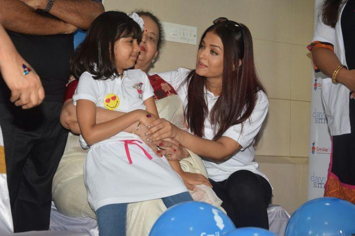 India Tv - Aishwarya Rai Bachchan, Aaradhya Bachchan- India TV