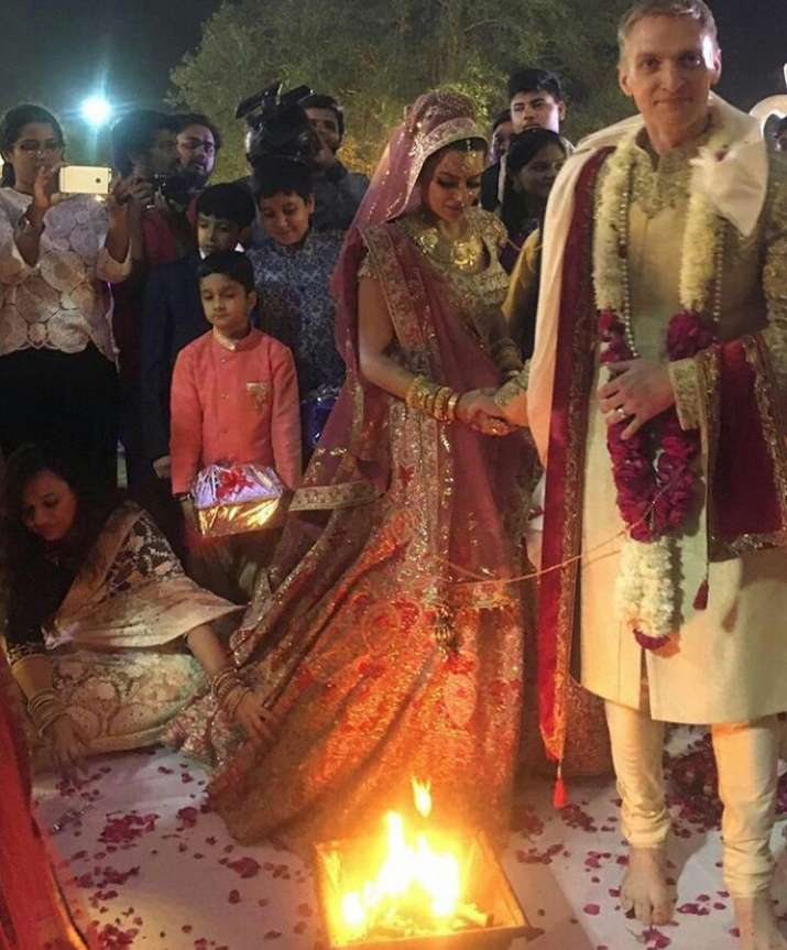 Aashka Brent Goble S Dreamy Wedding Pictures Bandagi: Aashka Goradia And Brent Goble Wedding INSIDE Pics: All