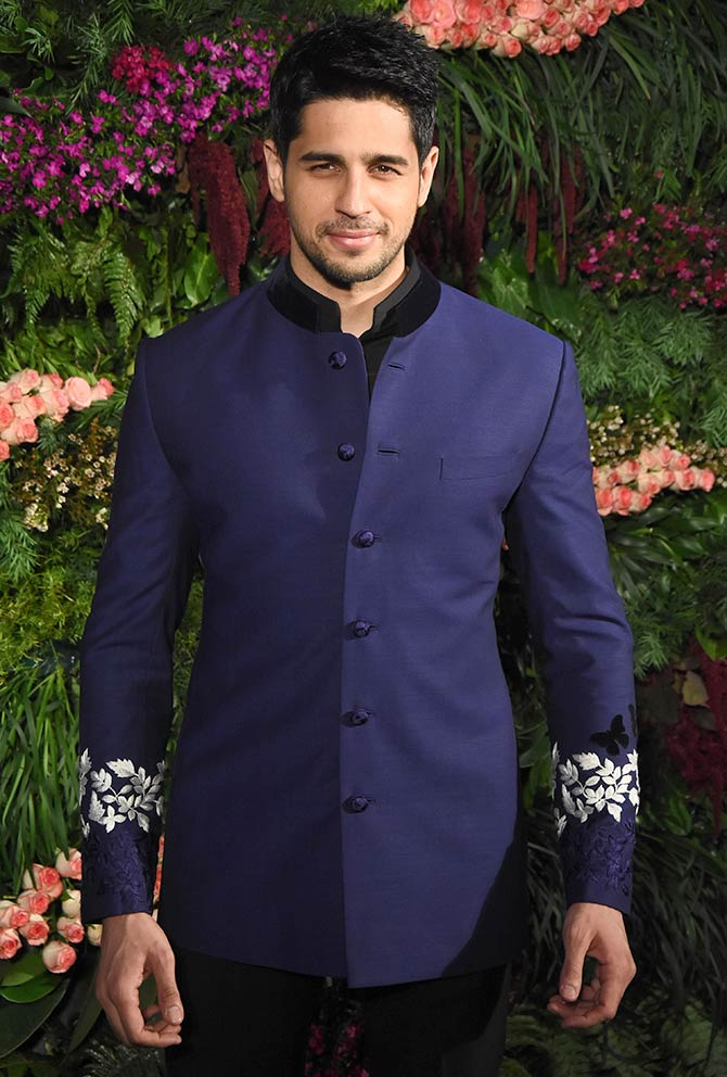 India Tv - Sidharth Malhotra at Anushka-Virat Mumbai reception