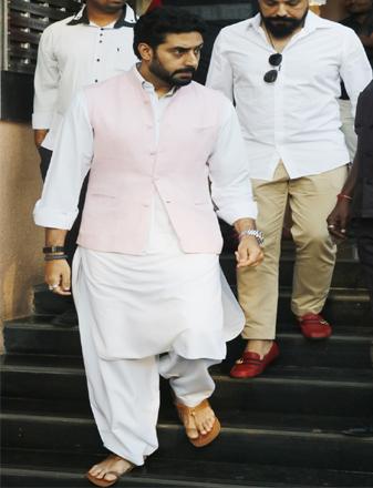 India Tv - Abhishek Bachchan at Neeraj Vora's funeral