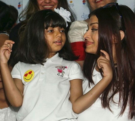 India Tv - Aishwarya Rai and Aaradhya in white matching dress