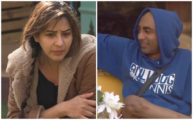 Akash Dadlani forcibly kisses Shilpa Shinde in Bigg Boss 11