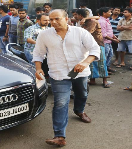 India Tv - Ashutosh Gowariker at Neeraj Vora's funeral
