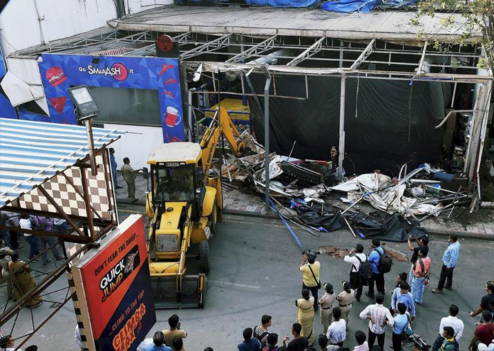 India Tv - BMC razes the unauthorised structures of wellknown Sports and Entertainment Hub Smash in Mumbai