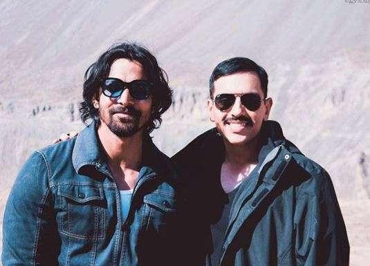 Luv Sinha along with Paltan co-star Harshvardhan Rane