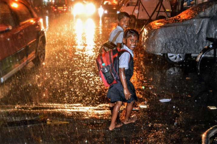 Mumbai experiences unseasonal showers following cyclone