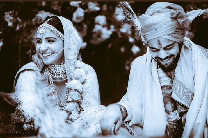 Shah Rukh Khan wishes newlyweds Virat Kohli-Anuskha Sharma