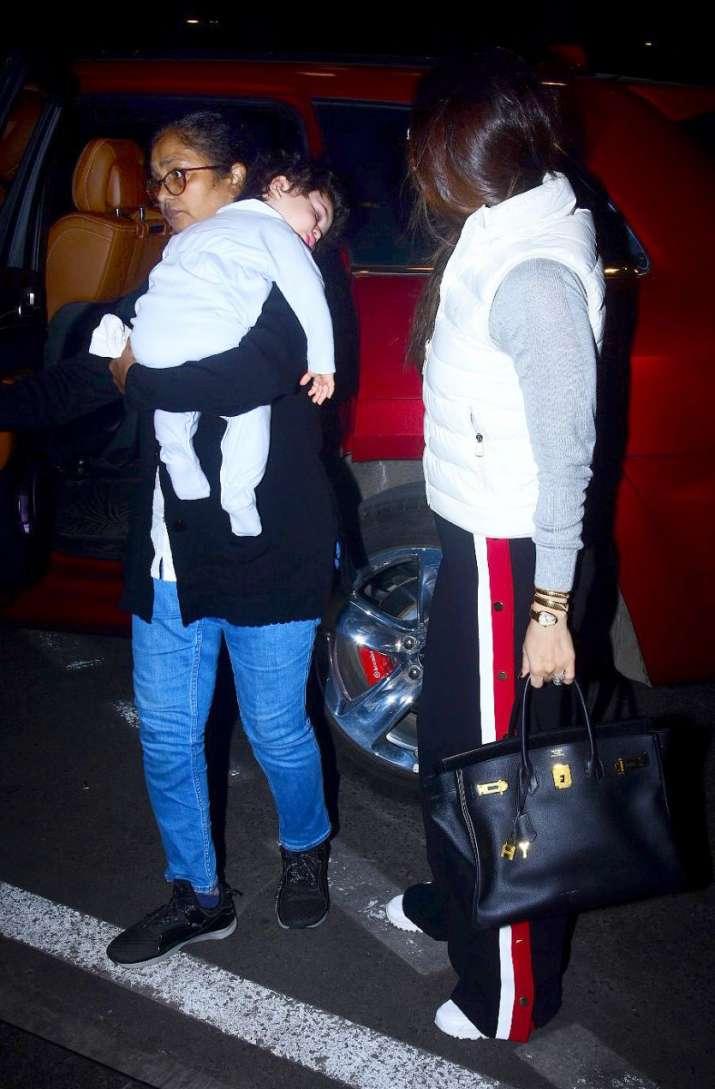 India Tv - Taimur and kareena
