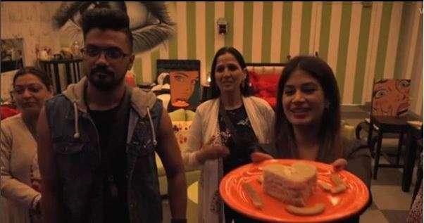 India Tv - Bandgi Kalra with a surprise for Puneesh Sharma