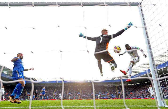 India Tv - Palace's Benteke scores against Leicester City.