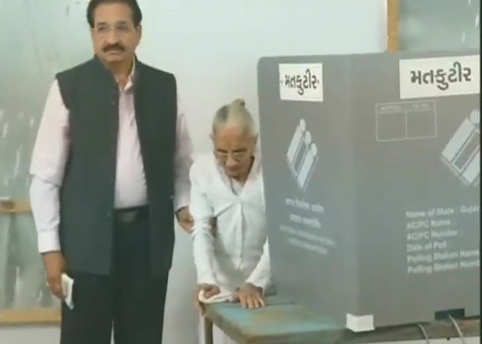 After casting her vote, the prime minister's mother, who is