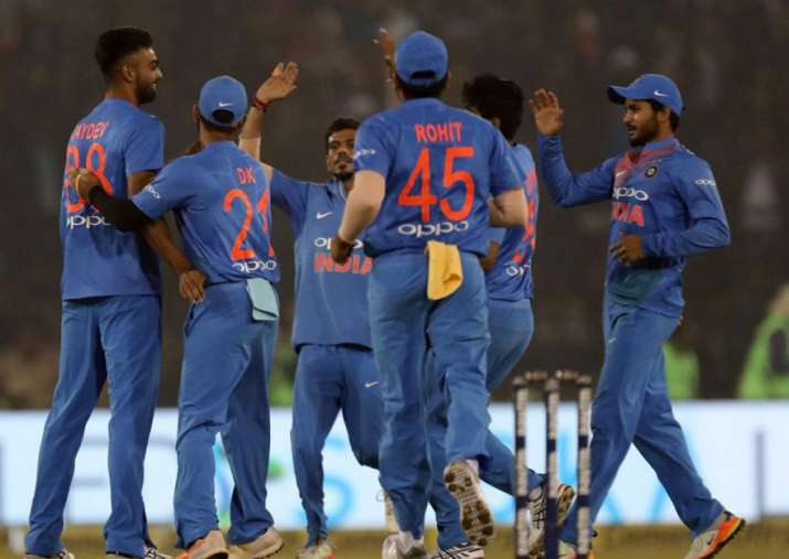 Jaydev Unadkat celebrates wicket of Niroshan Dickwella