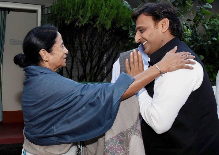 India Tv - Mamata Banerjee meeting with Akhilesh Yadav at her Kalighat residence in Kolkata on Saturday