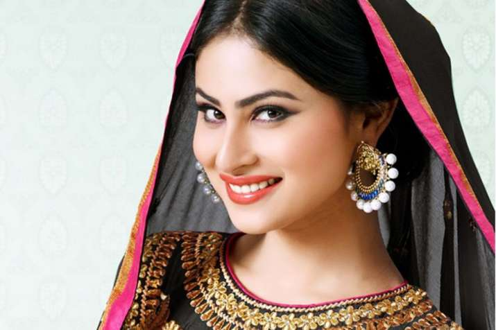 Here's how Naagin actress Mouni Roy defined 'a perfect