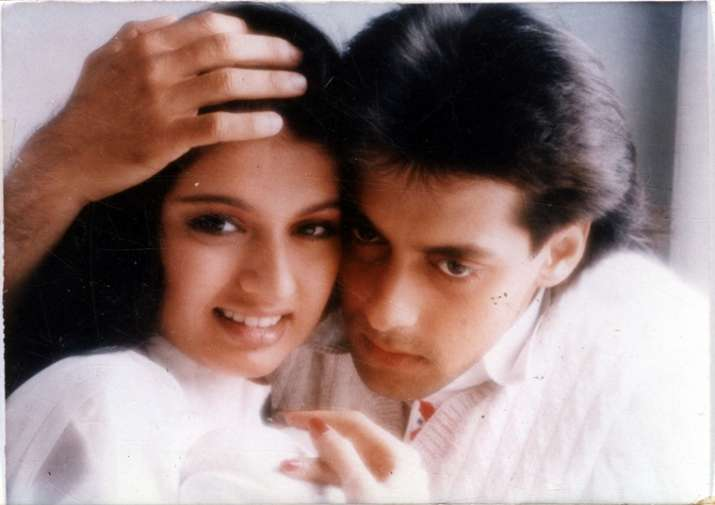 Bhagyashree and Salman Khan in a still from Maine Pyar Kiya