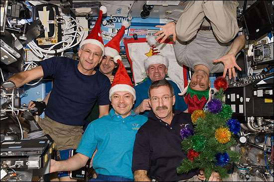 The six Expedition 30 crew members assemble in the U.S. Lab