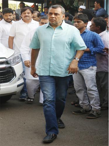 India Tv - Paresh Rawal at Neeraj Vora's funeral