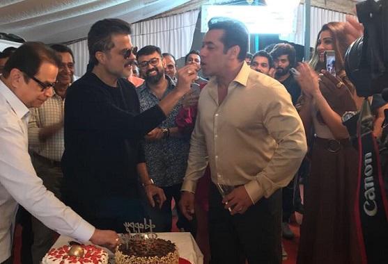 Anil Kapoor celebrates extra special birthday with Salman