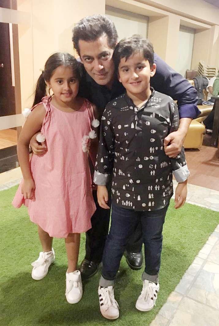 India Tv - Salman Khan with Hiten Tejwani's children