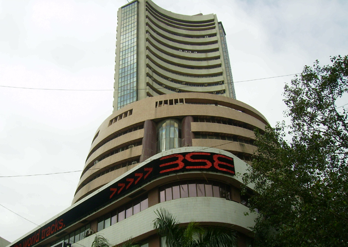 Sensex shrugs off GDP rebound, sinks 316 points to close