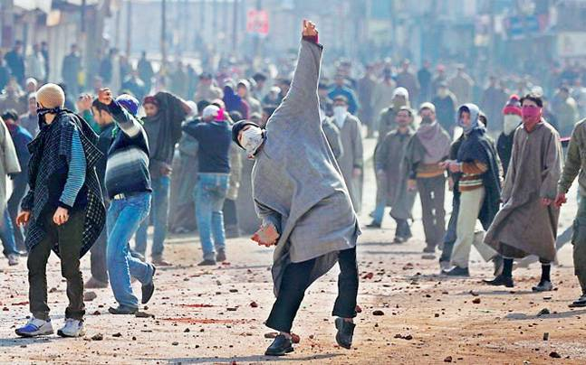 Spike in young Kashmiris joining militancy in 2017