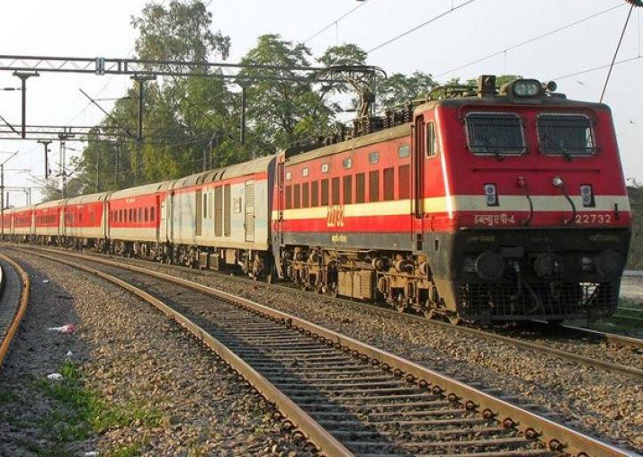 Government plans to fence Delhi-Kolkata, Delhi-Mumbai rail