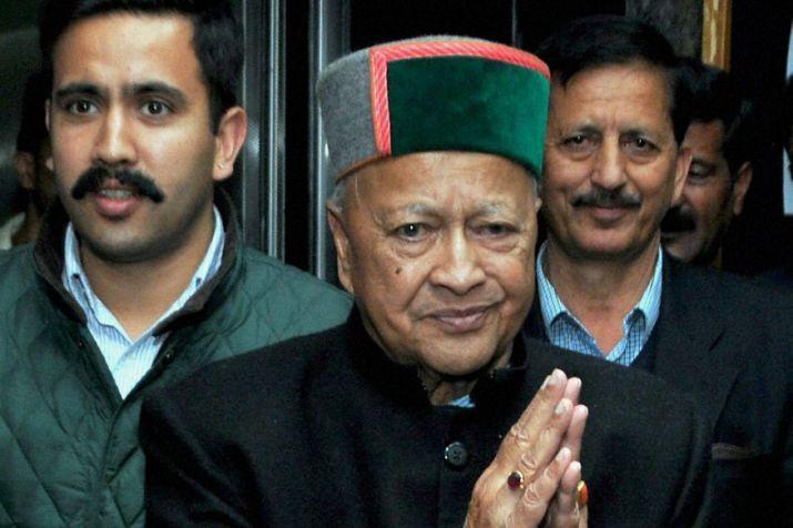 Congress left CM Virbhadra Singh on his own traversing the