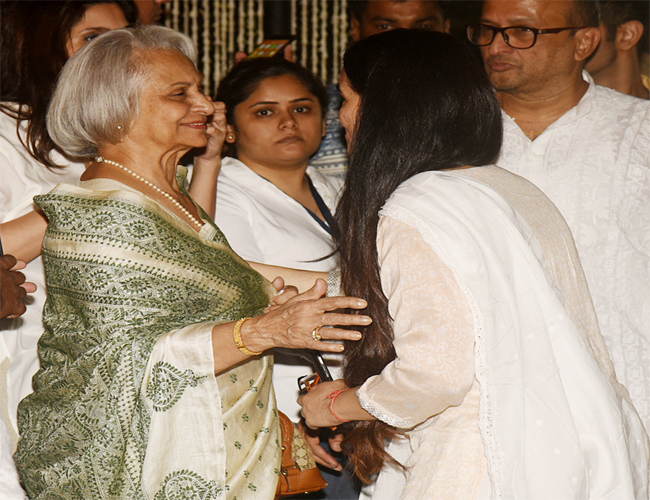 India Tv - Waheeda Rehman at Shashi Kapoor's prayer meet