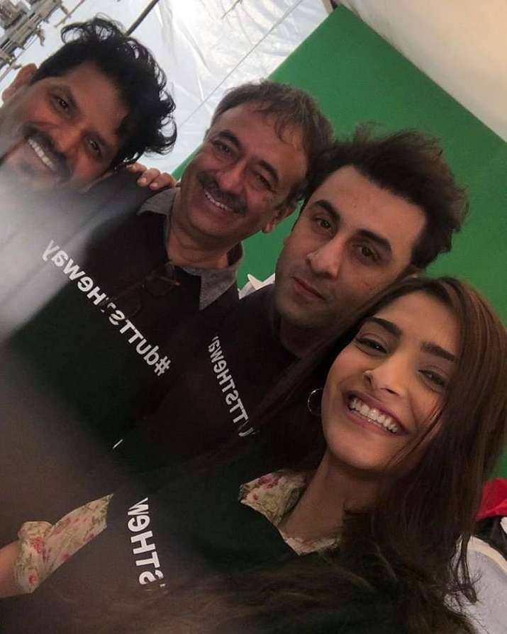 India Tv - Ranbir Kapoor and Sonam Kapoor pose for a picture