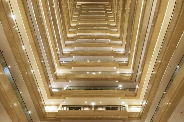 India Tv - Entry to Abhishek-Aishwarya's luxurious apartment in Signia Isles